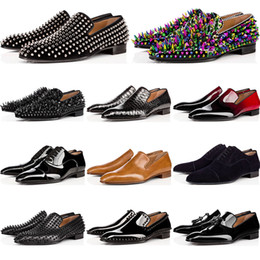 Chaussures habillées pour hommes en Ligne-new red bottoms mens shoes loafers casual black spike Patent Leather Slip On Dress Wedding flats Business Party sneakers