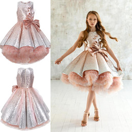 Abiti gonfiabili di lunghezza del ginocchio online-Bling Sequins Bow Sash Knee Length Flower Girls' Dresses Puffy Tulle Prom Dresses With Zipper Back