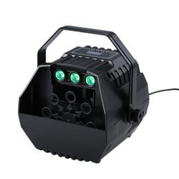 Maquina sopladora online-Máquina de burbujas con luces LED Sopladores de burbujas automáticos para niños Brithday Party Operación de pantalla LED o control remoto inalámbrico Control ajustable