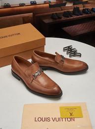 Stile italiano 19MM Marchi Coccodrilli del modello MAN Dress scarpe di cuoio di lusso scarpe formali MAN Plus Size Ufficio Affari scarpe da sposa
