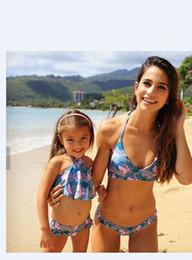 Correspondant vêtements fille rose mère en Ligne-Maman et moi rose fleurs maillot de bain bikini 2019 famille correspondant vêtements famille chercher maillot de bain maman et fille correspondant vêtements