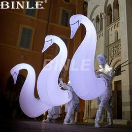 Sıcak satış dev beyaz şişme kuğu kostüm kızlar dans performansı hayvan sokak maskotu sahne dekorasyon için maskot kostüm nereden büyük beyaz balon tedarikçiler