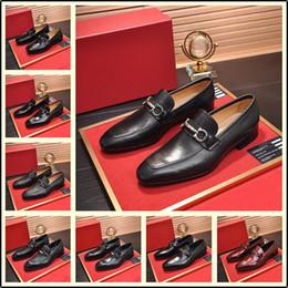 neue stil büro freizeitschuhe Rabatt 2019 neue Art-Luxus im italienischen Stil Männer Kleid-Schuhe Klassisches Business Office Oxford-Schuhe für Männer lässig British Style Man Wohnungen YETC1