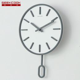 relojes de pared de lujo moderno Rebajas Lujo nórdica reloj de pared de madera Péndulo Relojes de pared Decoración individual silenciosa sala de estar moderna Muro ¡SAATI Gift Ideas FZ590