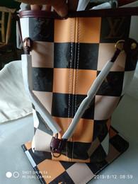 Hochwertiges echtes Leder Frauen überprüfen Handtaschen-Damendesignerentwerferhandtaschenqualitätsdamenkupplungsgeldbeutel-Retro Schulter Totes-Tasche von Fabrikanten
