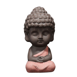 2020 ornamento auto di buddha Statua di Buddha scultura intagliato mano di visualizzazione Figurine Craft Car Ornament cruscotto decorazione auto ornamento auto di buddha economici