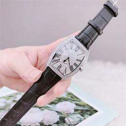 мужские 47мм роскошные часы Скидка Оптовые Часы Мужские Роскошные Полный Бриллиант Марка Ice Out Часы Кварцевые 40 * 47 ММ Наручные Часы RoseGold / Silver Дизайнерские Часы Montre Hommed