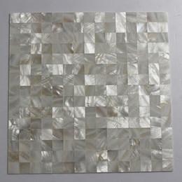 Malla de azulejos de mosaico online-Mosaico de concha de nácar de color blanco de 20x20 mm, respaldo de malla de azulejos sin costura Azulejo de baño # MS123