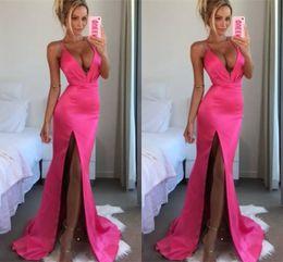 2019 rosa formale gürtel für frauen Sexy Hot Pink Prom Kleider Meerjungfrau Tiefem V-Ausschnitt Ärmellos 2019 Abendkleid Günstige Party Kleider