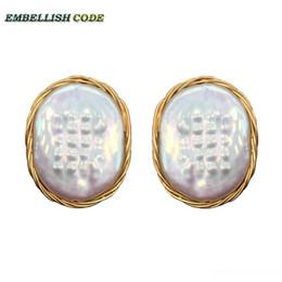 2020 ovale perla di perle NUOVA figura di disegno a mano eleganti gioielli di perle Ellisse ovale uovo colore dorato fiore piatto vere perle naturali orecchini di sconti ovale perla di perle