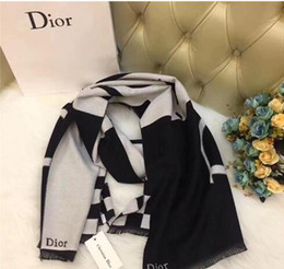 XMAS 2019 de haute qualité nouvelle mode écharpe de laine de soie cachemire foulards femmes Châle carré ? partir de fabricateur