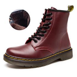 alta scatola rotonda Sconti Caldi stivali da uomo di marca martens in pelle inverno caldo scarpe da moto da uomo caviglia stivaletti Doc Martins pelliccia paio oxford scarpe