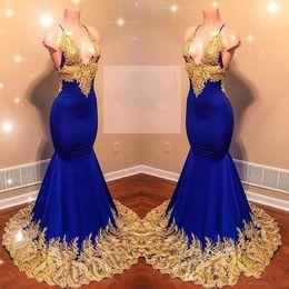 vestidos de sirena de lentejuelas cuentas Rebajas Sirena azul real vestidos de baile 2019 con encaje de oro apliques nuevas perlas africanas lentejuelas vestidos de noche mujeres sexy vestido reflectante BC0622