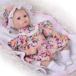 5pcs Baby Dolls Clothes Blanket Socks Hat for 10-11inch Reborn Girl Boy Doll