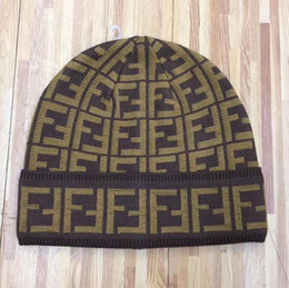 Canada FF lettre jacquard chapeau tricoté hommes de mode bonnets classiques gorro femmes chaudes casquettes de skull de ski en plein air hommes cheap casual mode men Offre