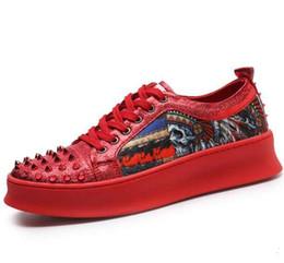 Hommes Nouvelle Arrivée Rivet Tôle Casual Plateforme Chaussures chaussures rouge blanc Designer Party Dress Rivet ? partir de fabricateur