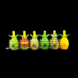 Schlüsselbundrohre online-Großhandel kleine Ananas Schlüsselanhänger Rauchen Pfeife kreative Silikon Handpfeifen Tabak Pyrex Bunte niedliche Bong mit abnehmbarer Metallschale