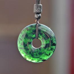Piedras verdes chinas online-Natural Negro Verde Hetian Piedra dona tallado joyas de jade colgante collar chino Jadeíta encanto Amulet regalos para los hombres de las mujeres