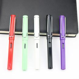 2019 vente de couleur d'encre Ventes directes d'usine couleur étudiants verticaux en gros stylo à encre à encre stylo à plume vente de couleur d'encre pas cher