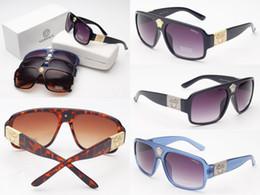 Deutschland 2 STÜCKE Marke Designer Medusa Sonnenbrille Frauen Mode Gold Logo sonnenbrille Günstigen Preis Quadratischen Rahmen Medusa Sonnenbrille occhiali da sole 5015 Versorgung