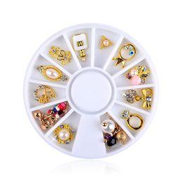 1 ruota fiocco misto perla corona fiore strass per unghie pietre di cristallo 3D per decorazioni nail art fai da te diamanti manicure cheap crown nail decorations da decorazioni del chiodo della corona fornitori