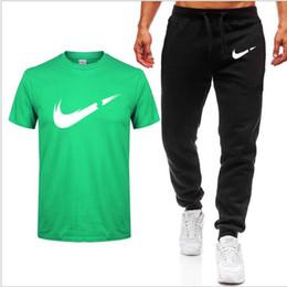 Männer Trainingsanzug Gestreiften Casual Sportswear Set Herren Kleidung 2 Stücke T-shirt Kurze Hosen Sommer Marke Trainingsanzug männer Sport Anzüge von Fabrikanten