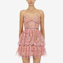 Canada Conception de haute qualité de luxe robe d'été de piste Femmes Sexy col en V taille haute sans manches Sequin broderie robes supplier embroidery sequins neck designs Offre