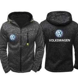 Spring fall jackets men s online-Abbigliamento sportivo Felpe con cappuccio Zipper Fashion Tide Jacquard Autunno Felpe con cappuccio Logo Volkswagen Primavera Autunno Giacca Cappotto Tops