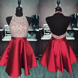 2019 Halter Homecoming Dresses Paillettes Perlées Dos Nu Robes De Bal Courtes Robes De Soirée Rouge Brillant Custom Made ? partir de fabricateur