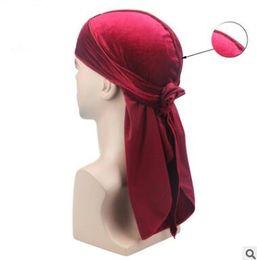Hombres Velvet Durags Bandana Turban Hat Pelucas Doo Hombres Durag Biker Headwear Diadema Pirata Hat Du-RAG Accesorios para el cabello cosplay hat 36 desde fabricantes