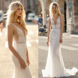 appliques sirène Promotion 2019 robes de mariée d'été conçues profonde col en V gaine de sirène robes de mariée appliques longueur de plancher Robe de mariee