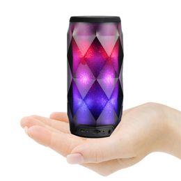 2019 mejores altavoces bluetooth portátiles de bajo Altavoz Bluetooth portátil Lámpara LED Altavoz Colorfull Inalámbrico Bluetooth Subwoofer profundo Estéreo Mini Altavoces portátiles