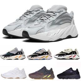 Zapatos forrados online-Wave Runner 700 Kanye West Resplandor en la línea Dark Reflective 2017 Nuevas zapatillas para correr tamaño 36-46 Con parte inferior y material 3M