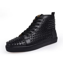 Top designer luxe chaussures bas rouge hommes unisexes femmes chaussures bas talons rouges Mode Spikes Clous Spikes Flats Sneakers chaussures bas rouge ? partir de fabricateur
