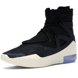 2019 il re sportivo King Shoes Fear Of God 1 Uomo Scarpe da corsa per grandi donne Designer Sneakers Sport Donne scarpe da ginnastica Bianco Nero NEBBIA AR4237-002 il re sportivo economici