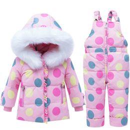 kind weißer mantel Rabatt 2019 Winter Baby Skianzug Mantel + Overall Set Infant Weiße Ente Daunenjacke Kinder Mädchen Warme Fell Kapuze Schneeanzug Kostüm W227