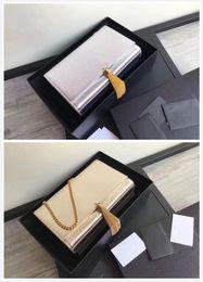 2020 filzkupplung Silberne Damen-Clutch aus Schaffell Designer-Mini-Vierecktasche Star mit der gleichen Bump-Hand-Feeling-Umhängetasche Klassische Handtasche mit Fransen günstig filzkupplung