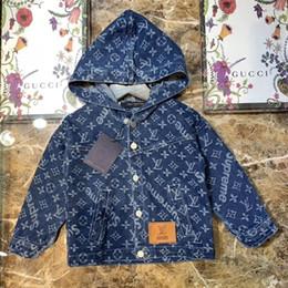 giacche blu bomber Sconti bambini vestiti di autunno inverno freddo cappotto per bambini Denim Blue Jackets ragazze dei ragazzi di moda ricamo Bomber Giacche ragazze Coats Casual