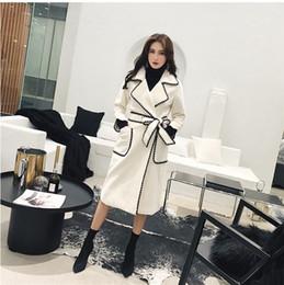 Weißer mantel für frauen kragen tasche online-2019 neue frühling herbst frauen weiße taschen mantel kontrast farbe rand lange oberbekleidung umlegekragen lange taschen mantel