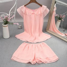 Chicas sexy pijamas online-Summer Ladies Chiffon Pyjamas Lingerie Short Sleeves Nightwear Girls Outfits Shorts Babydoll Pijamas Mesh Sleepwear Satin