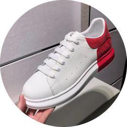 Scarpe skateboard invernali online-Scarpe da uomo oversize runner sneaker di lusso da donna scarpe da donna di design in vera pelle genuina in vera pelle scarpe casual da skateboard vendita