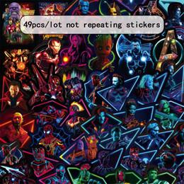 Canada 49 Pcs / ensemble Marvel Fluorescent Autocollants Avengers 4 Capitaine Marvel Thanos Iron Man Livre Bagages Réfrigérateur Pour Ordinateur Portable Autocollant Lumineux Jouets supplier toys laptops Offre