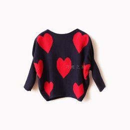 дети красные свитера Скидка Марка новорожденных девочек красное сердце пуловер свитер пальто дети осень свитер свитер детская одежда бесплатная доставка