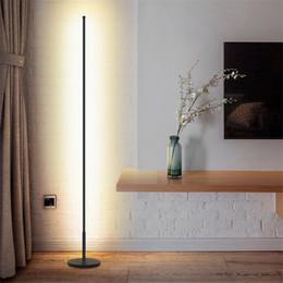 Decorar lampara led online-Nórdico minimalista LED Lámparas de pie Lámparas de suelo de la sala de Led Negro / blanco de aluminio Luminaria de pie Lámparas Lamparas Decorar