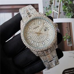 2019 assista a grande discagem quadrada relogio masculino de diamantes mens relógios fashion Preto Dial Calendário pulseira de ouro Fecho dobrável Mestre masculinos presentes 2020 casais