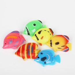 Faux poissons, sachant nager, produits pour aquariums, apparence réaliste, beaucoup de styles de couleurs ? partir de fabricateur