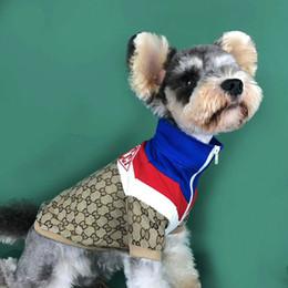 kleine mischung beugt großhandel Rabatt Winter Pet Hoodies Personality Print Brief Art und Weise Baumwolle Hundekleid Absorbent Hund Katze Kleidung Haustier-