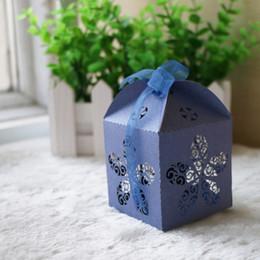 Bestsale Lys exquis château de fleurs Coupe au laser de bonbons Chocolat Coffrets Cadeaux Boîte d'anniversaire de mariage avec des rubans souvenirs de mariage de pays ? partir de fabricateur