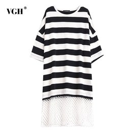a7b932b44 VGH Patchwork a rayas vestido de las mujeres O cuello media manga hueco  dobladillo suelto de gran tamaño vestidos femeninos 2019 moda coreana nueva  ropa ...