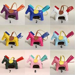 Cavallo portachiavi online-Ciondolo per borsa a forma di cavallo in pelle di agnello Ciondolo per portachiavi a forma di cavallo in vera pelle di cavallino